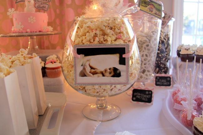 Birthday Cake Popcorn | Winter Onederland Birthday Party by Pastiche Events