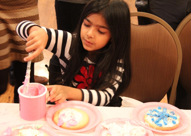 Sugar Cookie Decorating Activity | Winter Onederland Birthday Party by Pastiche Events